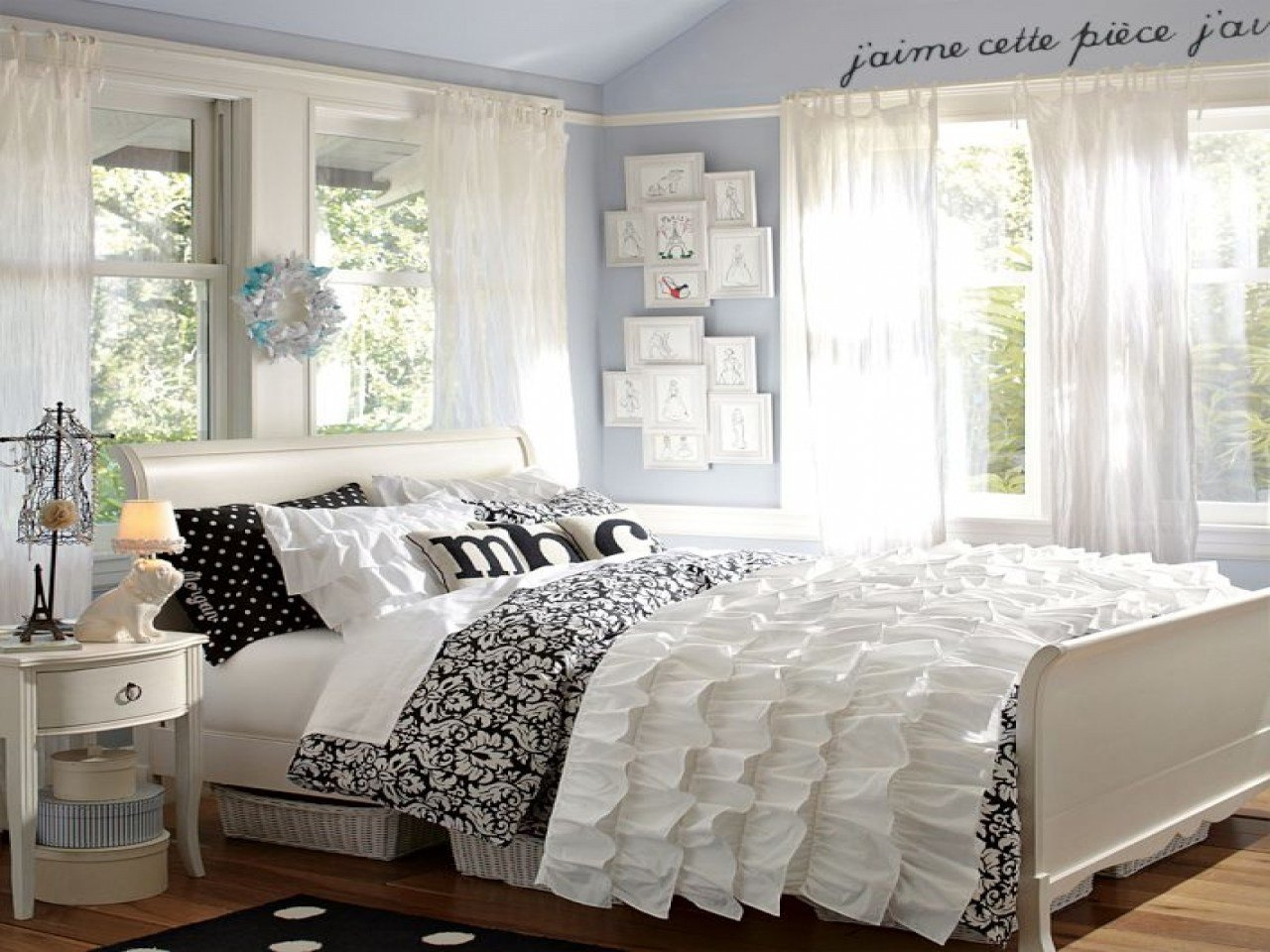 Best Stylish Bedroom Black And White T**N Bedroom Black And With Pictures
