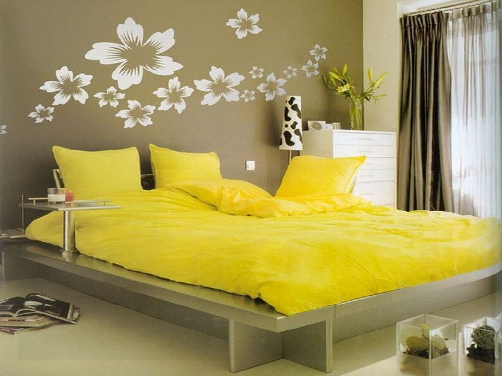 Best Yellow Bedroom Ideas Do It Yourself Bedroom Decorating With Pictures