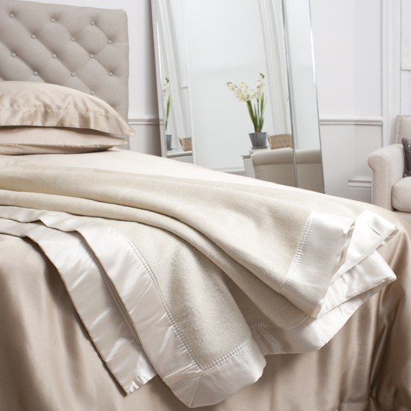 Best Ivory Blanket Silk Bedding From Jasminesilk Com With Pictures