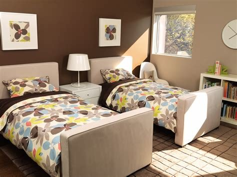 Best Modern Dorma Upholstered Twin Bed With Trundle By Monte Design With Pictures