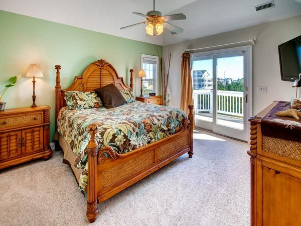 Best Surround Sound 7 Bedroom Semi Sound Front Home In Salvo With Pictures