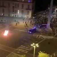 VÍDEO | Mossos persiguiendo manifestantes y mofándose al grito de «¡venid, somos gente de paz, venid!»