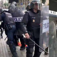Vídeo | Abuso policial desde dentro: la policía agrede a menores e intimida a una señora de 70 años en via laietana
