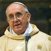 """Cortocircuito entre los conservadores: El Papa Francisco afirmó que los padres """"no son propietarios de los hijos"""""""