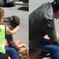 Vídeo | Un hombre acuchilla en la calle a su pareja delante de su hijo y en Eibar