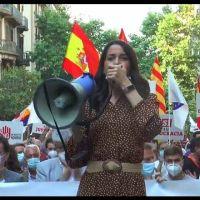 Vídeo | Pinchazo en la concentración de PP y Cs contra los indultos de los presos independentistas