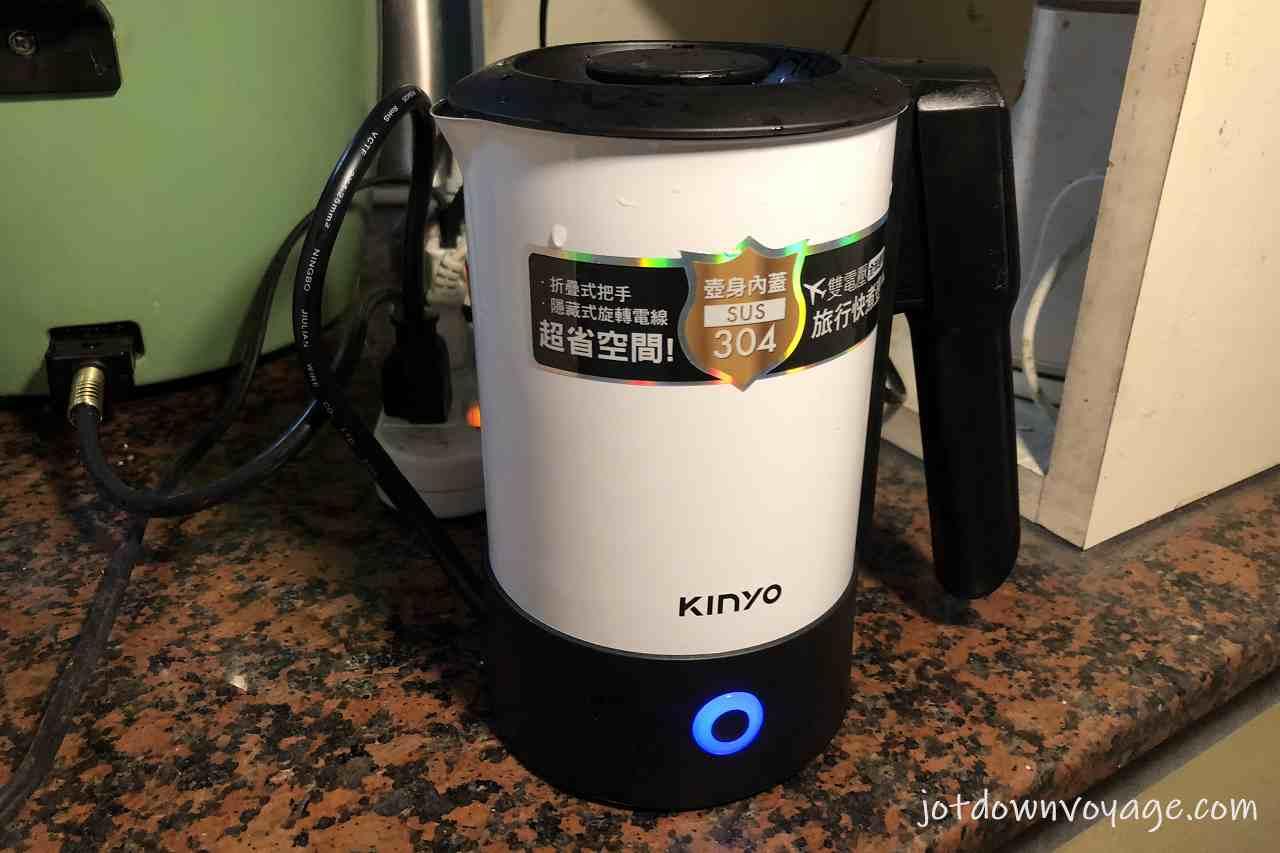 煮水中警示燈 KINYO 雙電壓0.6L旅行快煮壺 AS-HP80 2020快煮壺推薦