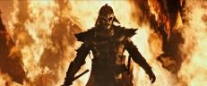 Il misterioso ed enorme guerriero con l'armatura di metallo.