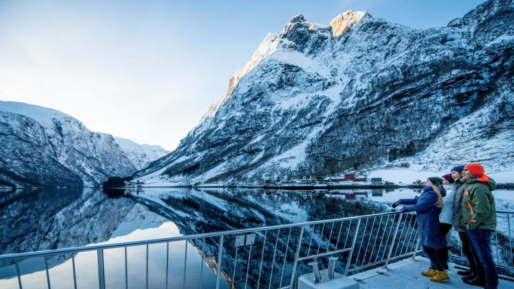 In the middle of snowhere – Fjord Cruise 3