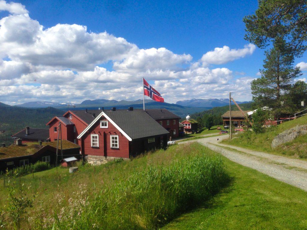 Ruten Fjellstue utendørs sommer og høst – By Arthur Bredli (2)