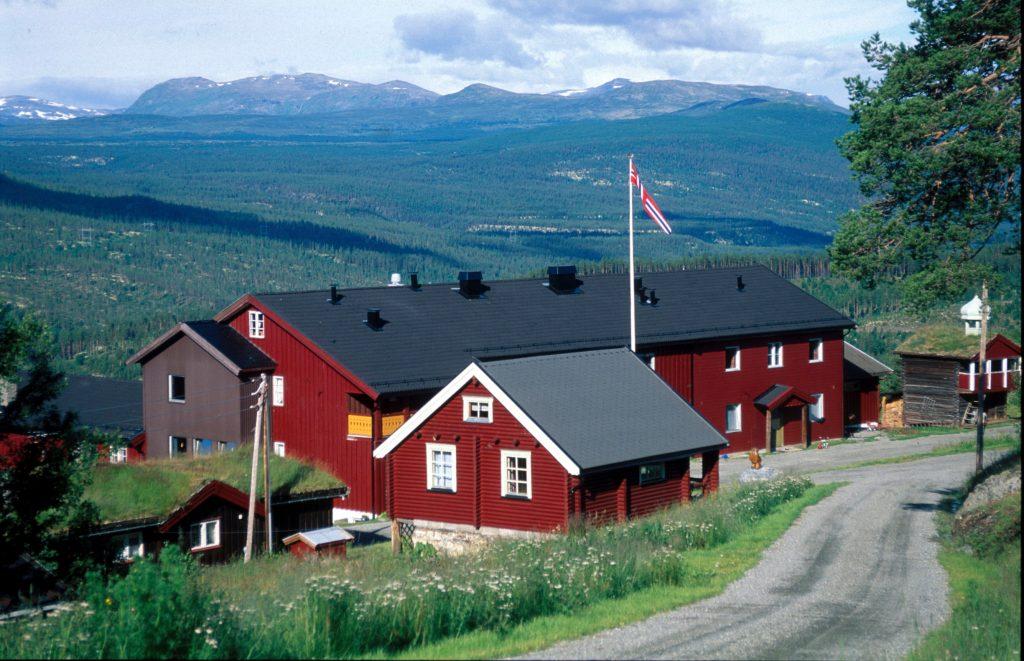 Ruten Fjellstue utendørs sommer og høst – By Arthur Bredli (3)