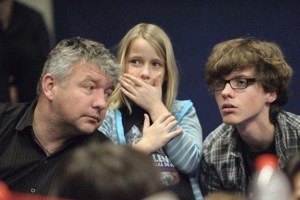Jean-François Coulin, Ninon (10 ans) et son frère Axel (17 ans) ont passé le week-end à soutenir les Bleus ©D.Delaine/ccas