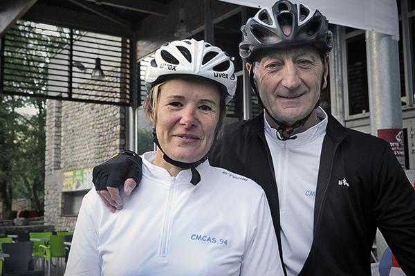 Sophie Lesueur (en blanc au départ), roule avec son mari Patrick sur le petit parcours, CMCAS Val de Marne©J.Marando/ccas