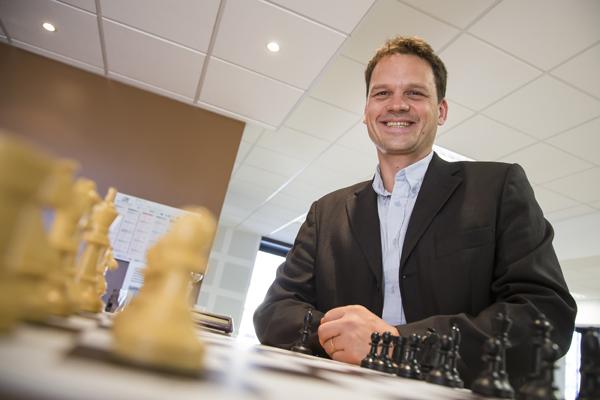 Frank Holler Juge arbitre des 13 eme Rencontres Nationales et Internationales d'Echec du Cap D'agde © Eric Raz/ccas