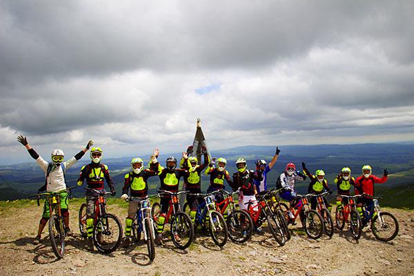 « Les participants du séjour Passion VTT de descente de Super-Besse » © Noémie Coppin/CCAS