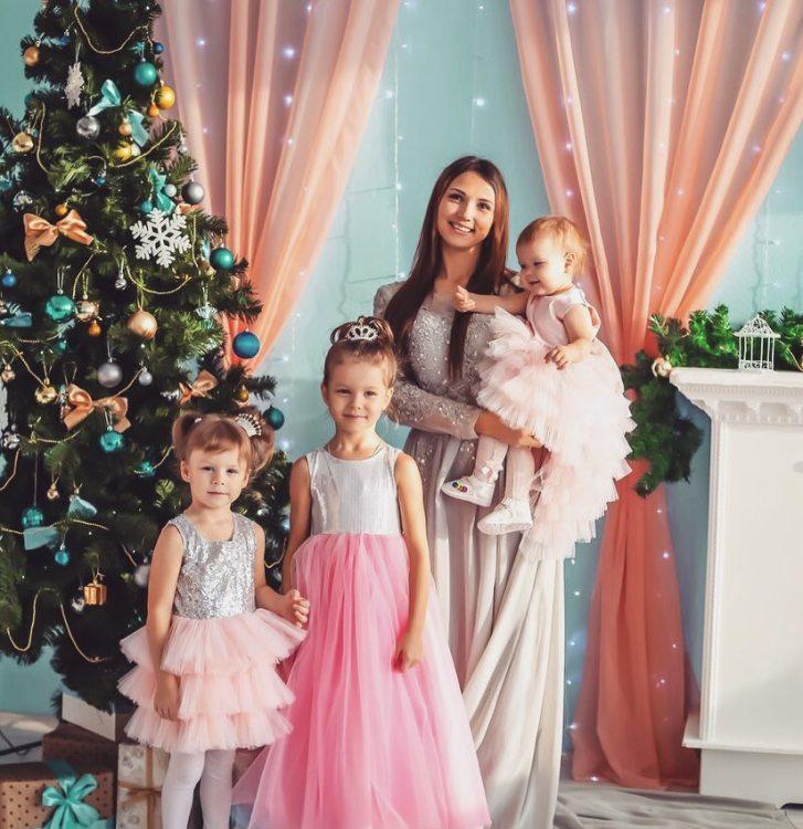 Екатерина Кондрашина с детьми