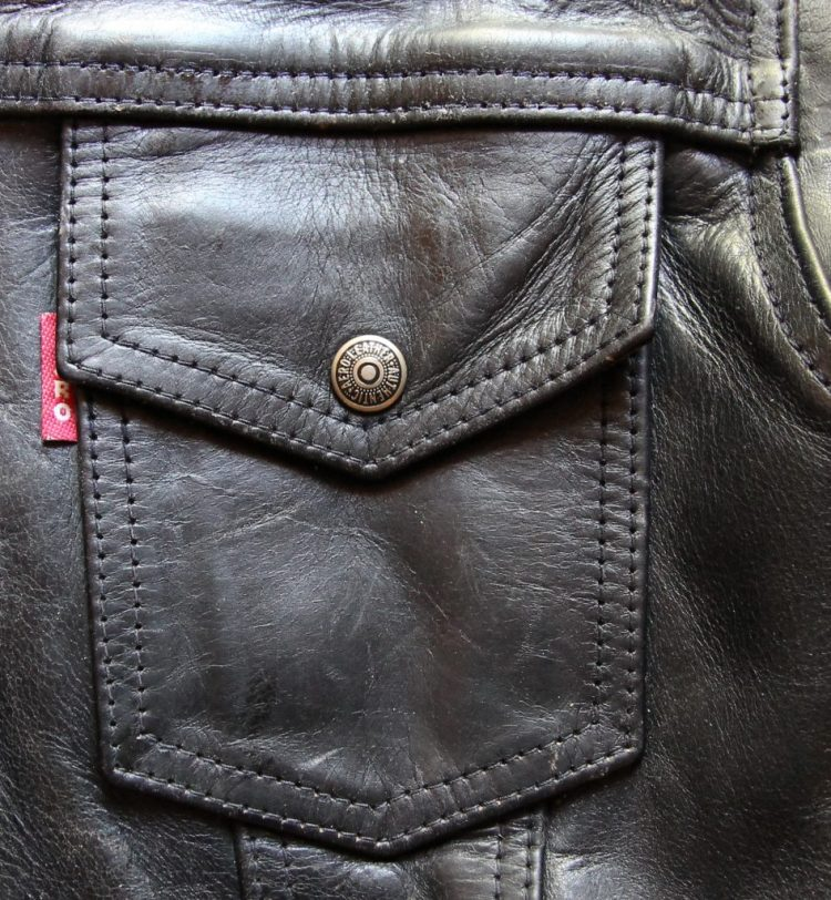 Aero type 3 leather jacket pocket with tab