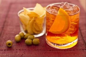 Spritz, olives, and chips.