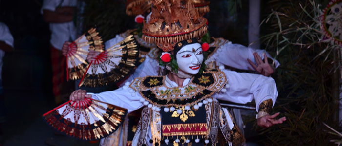 customary dance and plays in bali