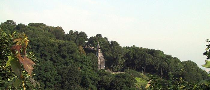 volodymyrska hill