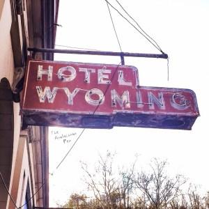 Hotelwyomingsign