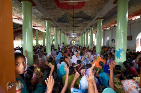 Church Worship India Photojournalism Travel Children Mandepeta