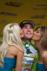 Mark Cavendish Podium Kissed by Two Presenters Pro Cycling Amgen Tour of California