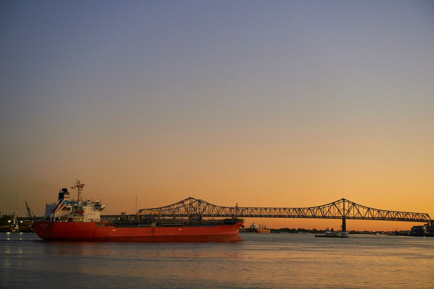 new_orleans_oil_tanker_mississippi_river_crescent_city_connection_bridge_louisiana