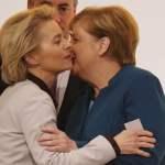 31 CDU Bundesparteitag in Berlin Angela Merkel und Ursula von der Leyen Hamburg Schleswig Holstei