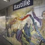 Wandmalerei die an den Sturm auf die Bastille in Paris 1789 erinnert am 21 02 2012 in der Metrostat