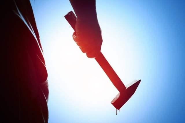 Gewalt (Symbolbild: shutterstock.com/Von Max Sky)