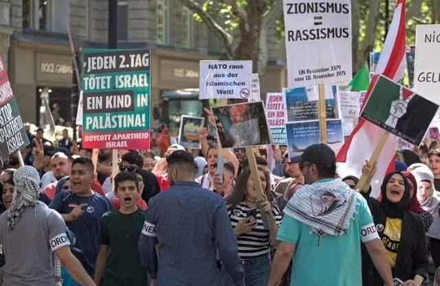 Al-Quds March in Berlin 2019 (Bild: shutterstock.com/ alexanderboehm)