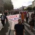 Demo Montagsstandpunkte Dresden; Bild: Startbild Youtubevideo Querdenken351