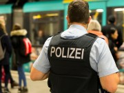 Polizei (Bild: shutterstock.com/ Von Pradeep Thomas Thundiyil)