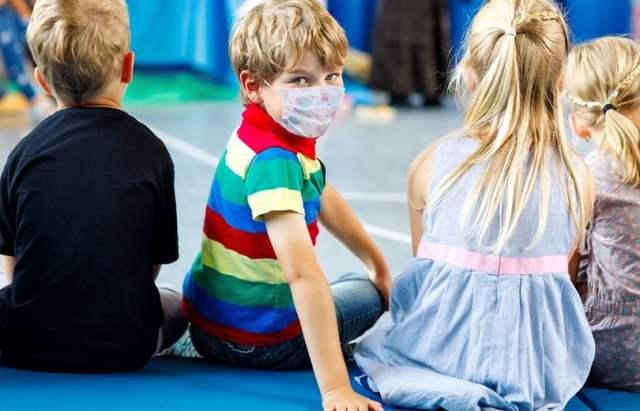 Schulkinder (Symbolbild: shutterstock.com/ Von Irina Wilhauk)