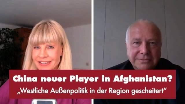 Milena Preradovic mit Prof. Alexander Rahr; Bild: Startbild Youtubevideo Punkt.PRERADOVIC
