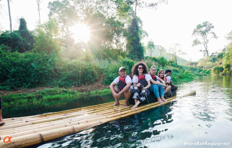 bamboo-rafting-adventure-in-kerala