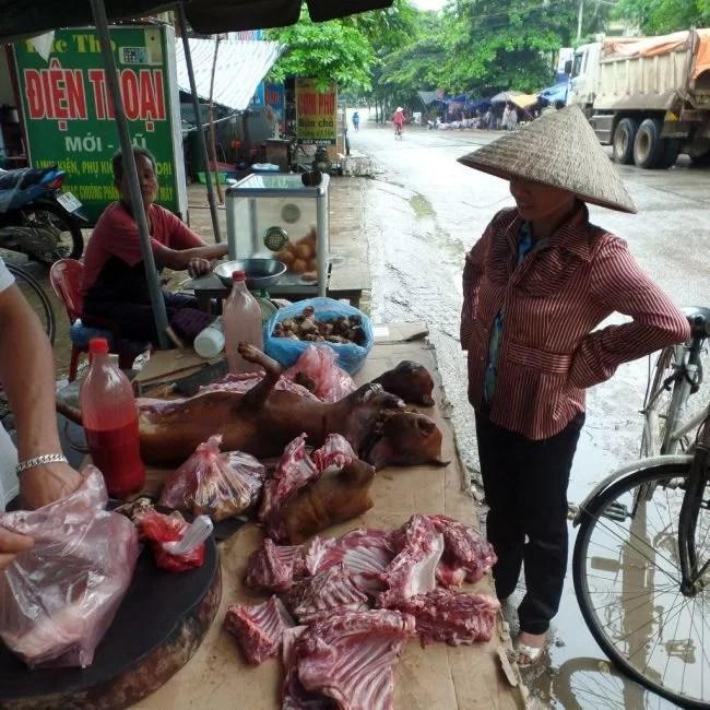 raw-meat-market-mai-chau