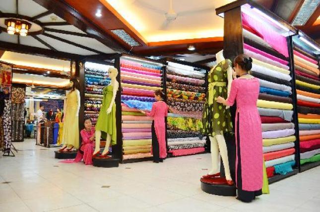 showroom-a-dong-silk