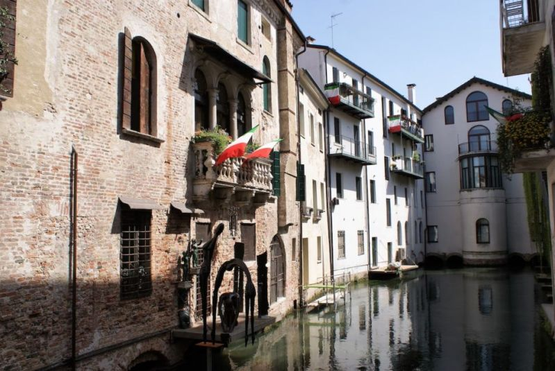 canal in treviso