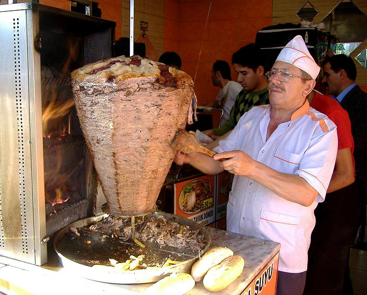 746px-Shawarma_ad_Istanbul_(01.10.2008)