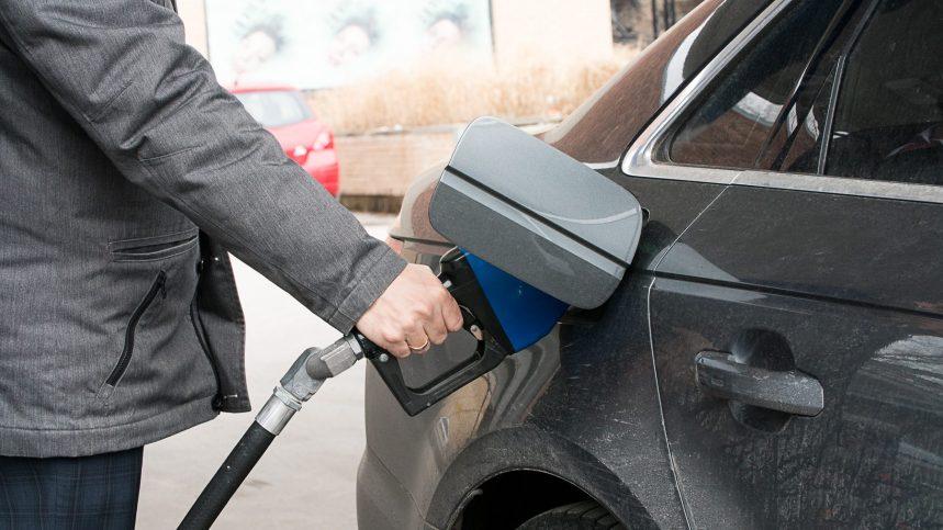 le prix de l essence en chute libre en