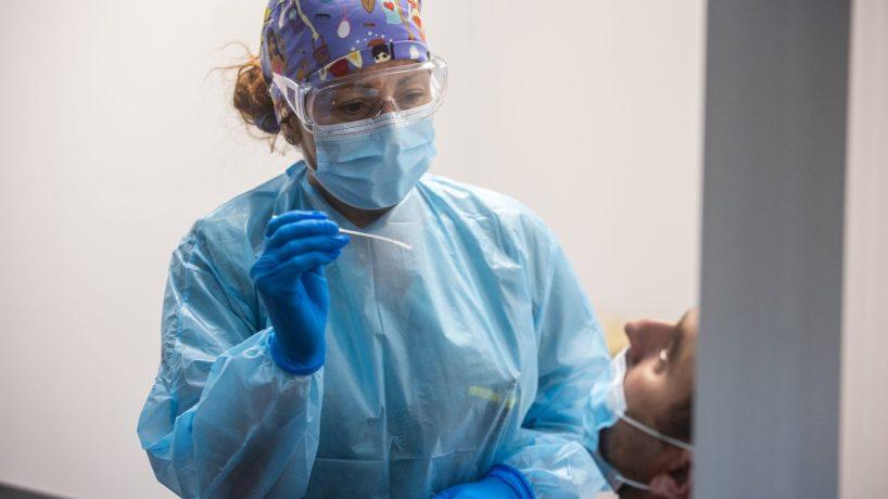 COVID-19: Baisse des nouveaux cas et des hospitalisations