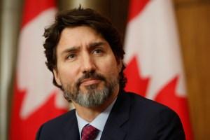 Vaccin de Pfizer: les retards dans les livraisons sont temporaires, rappelle Trudeau