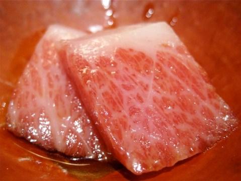 urasawa-slices-of-kobe-beef
