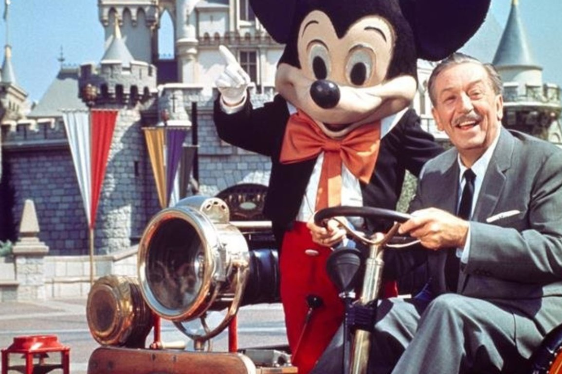 Complete Biography of Walt Disney and his Life