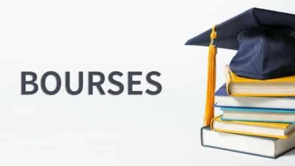 bourses doctorales/Paiement des bourses d'études aux étudiants