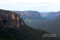 blue-mountains-cliffs