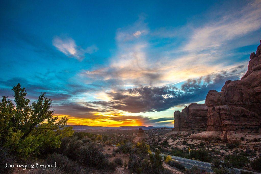 arches-national-park-sunset-garden-of-eden