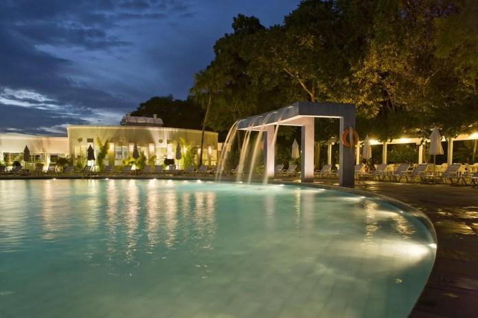 hotel to stain brazil to visit iguazu falls